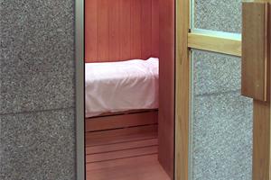 サウナを備えた本格的大浴場